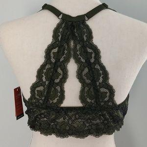 Front closure bra. 38 D. Racerback lace